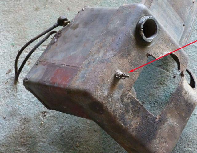 Besoin d 39 aide pour un robinet de w0 - Robinet essence moteur bernard ...