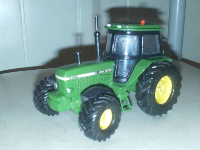 Miniature agricole 1:32 04ydrf