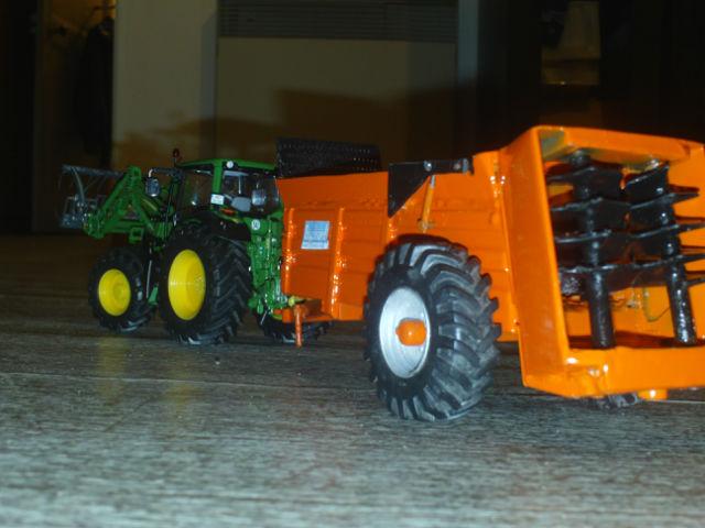 Miniature agricole 1:32 10kc8b
