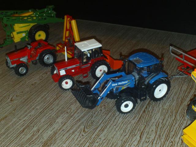 Mes miniature agricole 1 32 les tracteurs rouges - Tracteur ancien miniature ...
