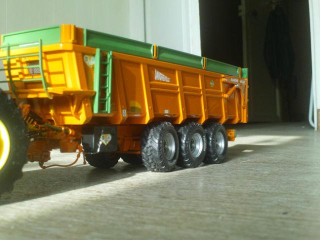 Miniature agricole 1:32 03bkir