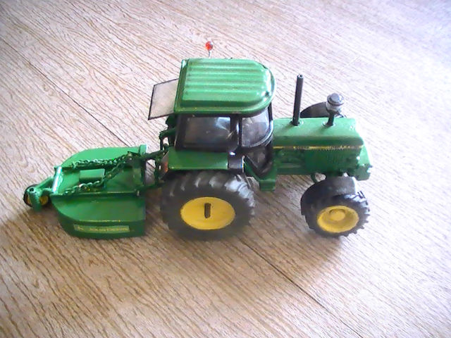 Miniature agricole 1:32 083akq