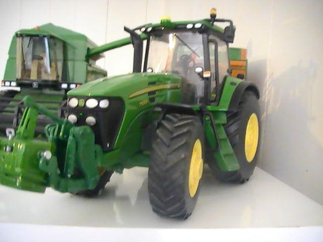 Miniature agricole 1:32 08elbx