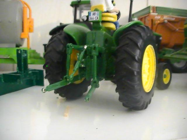Miniature agricole 1:32 08jruk