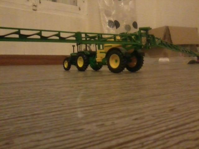 Miniature agricole 1:32 185vfm