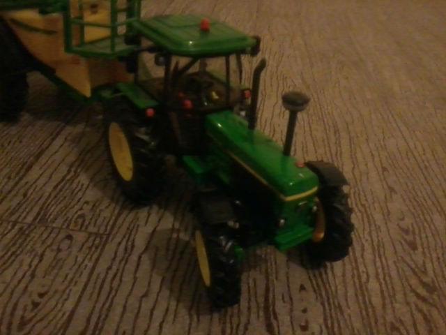 Miniature agricole 1:32 18o0ta