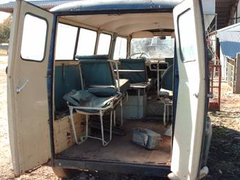 Restauration renault estafette 1963 4440 for Interieur estafette